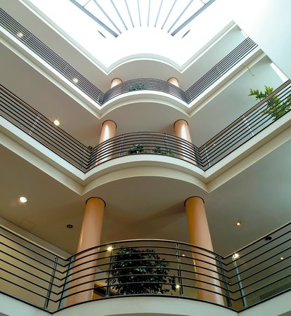 NH München Unterhaching: Lobby/Reception