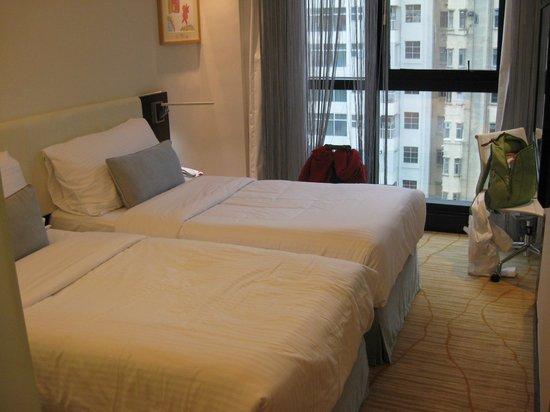 The Empire Hotel Wan Chai : Номер, панорамное окно