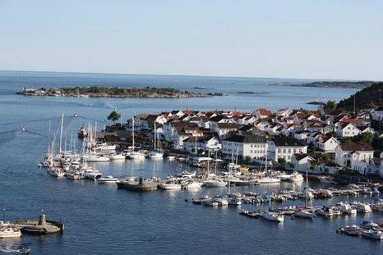 Risor, Norway: Utsikt fra Risørflekken til Tangen