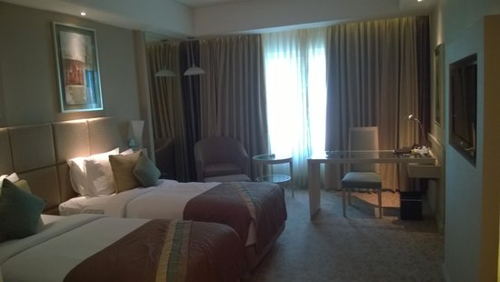 Radisson Hyderabad Hitec City : twin room