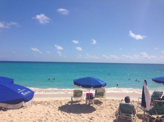 Sonesta Maho Beach Resort, Casino & Spa : The beach!
