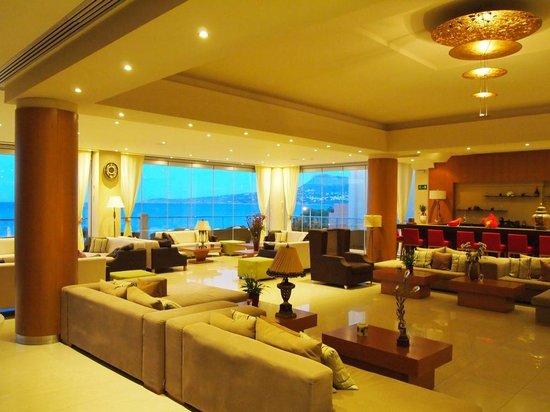 Kiani Beach Resort: miejsce wypoczynkowe przy recepcji z zapierającym dech w piersiach widokiem na morze i okolicę