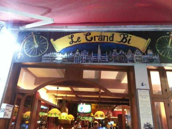 Le Grand Bi : Front entrance