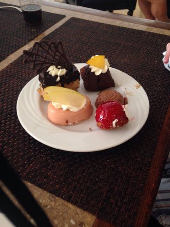 Tirana Aqua Park Resort: A selection of the many tasty desserts