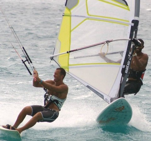 Surf Zone: Kite & Wind Surf School Cabo Verde