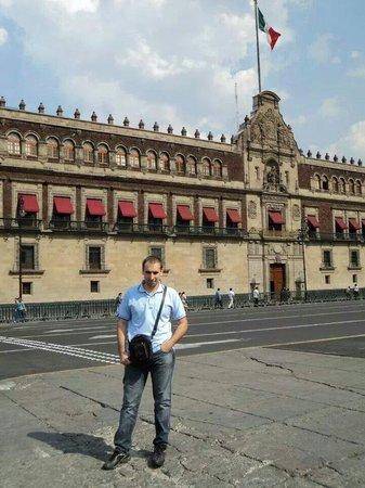 Mexico Caminando - Walking Tours: Palacio Nacional