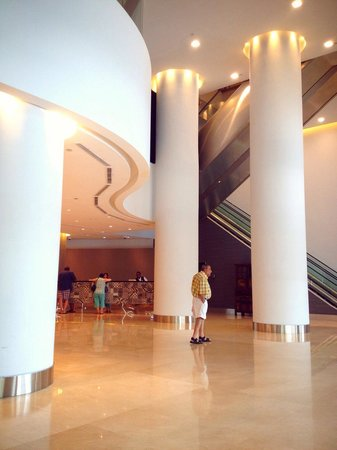 Grand Mercure Singapore Roxy: Lobby