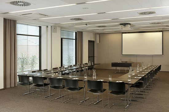 NH Collection Olomouc Congress: Meeting Room
