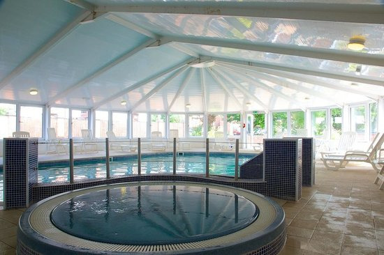 The Spa at Risley Hall Hotel: Jacuzzi & Pool