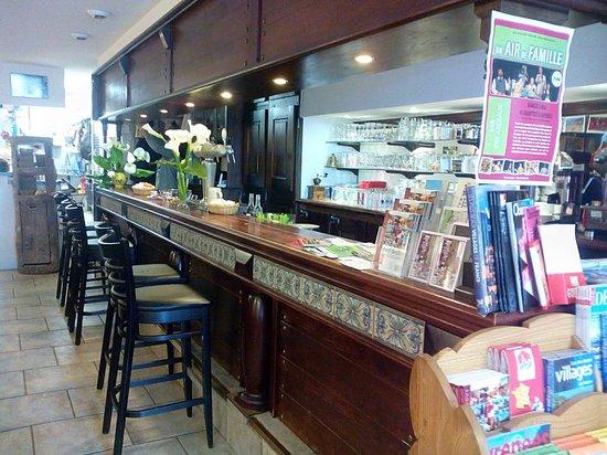 Bar Restaurant Les Arceaux : le comptoir