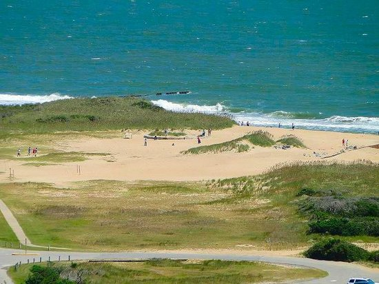 Cape Hatteras Lighthouse: round foundation where it used to stand