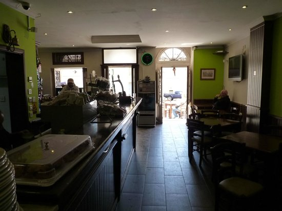 Victory Square Cafe: L'interno del bar