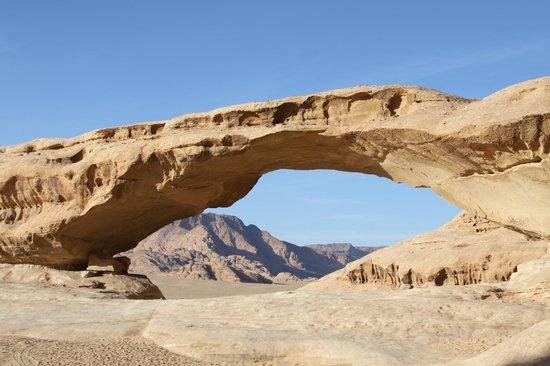 Captain's Desert Camp : Rotsformatie in de woestijn