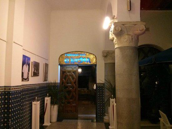 El Minzah Hotel : Entrance to the hotel restaurant