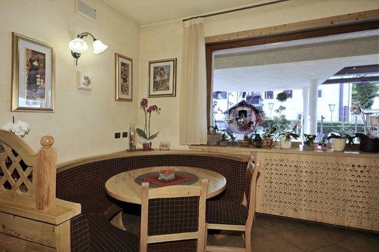 Olimpia Hotel Bormio: Bar