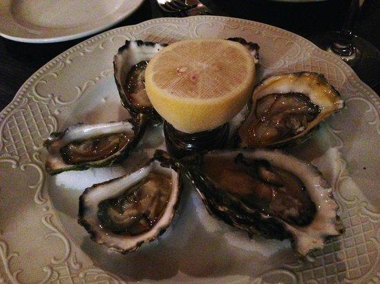 Bistro Vue: oysters