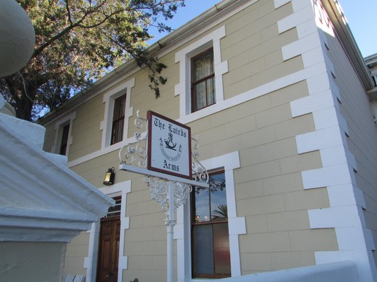 Lord Milner Hotel: The hotel pub