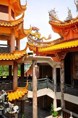 Tow Boo Kong Temple Butterworth: deep in temple