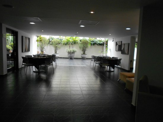 Hotel Cyan Suites: LOBBY