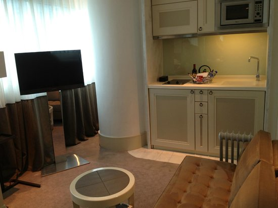 Lanson Place Hotel: room