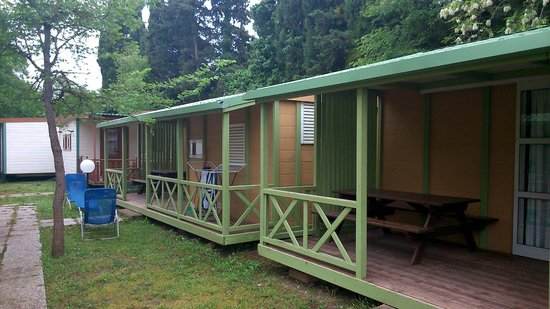 Camping Free Beach: Area Bungalows