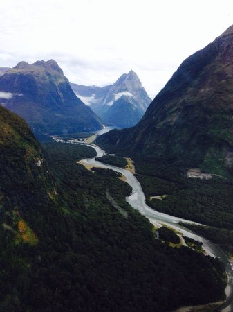 Aspiring Helicopters : The approach into Milford Sound. Pictures do not do this justice. Amazing scenic flight!
