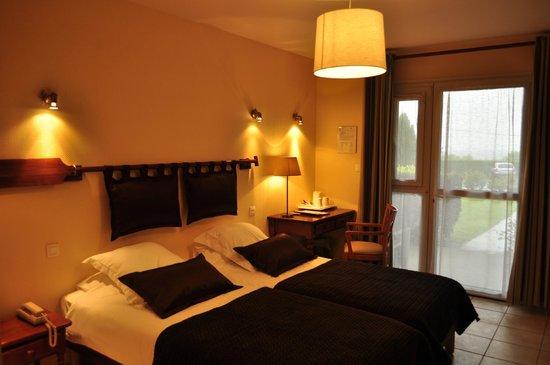Hotel La Rosiere: chambre double vue jardin
