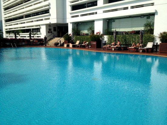 Centre Point Hotel Silom: The Swimming Pool