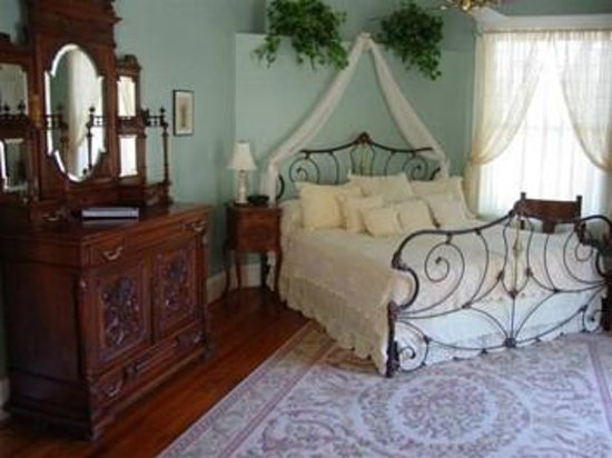 The Peach House: The Peach Blossom Suite