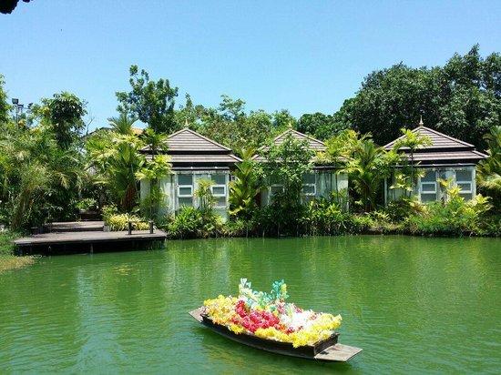 Phuket Botanic Garden : Floating Market example at the Botanical Gardens