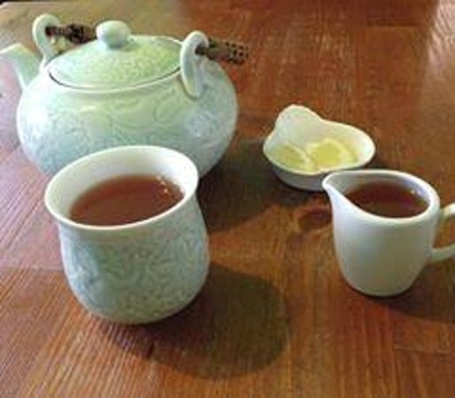 Mystery Tea House: Caramel Passion tea, honey and lemon
