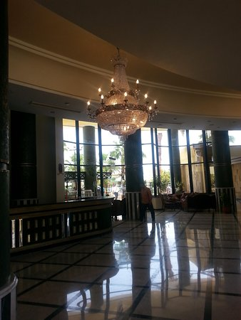 Mirage Bay Resort & Aquapark Lilly Land : reception maestosa