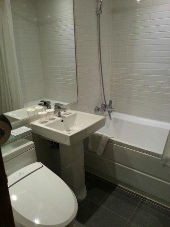 Hotel Skypark Myeongdong I: バスタブ有りました。