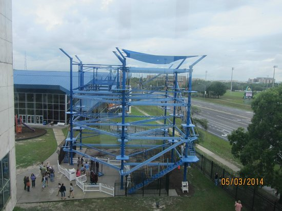 Museum of Science and Industry : outdoor ropes course