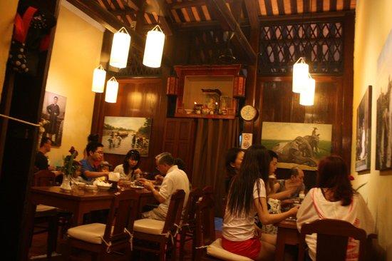 Miss Ly Cafe : blick ins restaurant