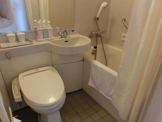 Tokyo Bay Ariake Washington: バスルーム