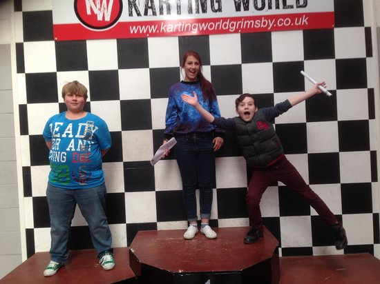 Karting World: Won by his Sister!