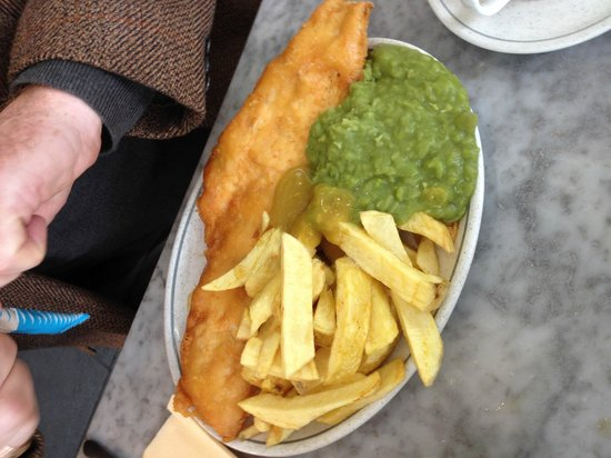 Large cod chips peas and fruity curry sauce picture of for Fish and chips sauce