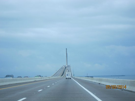 Sunshine Skyway Bridge: going up