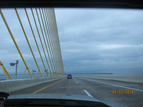 Sunshine Skyway Bridge: going down