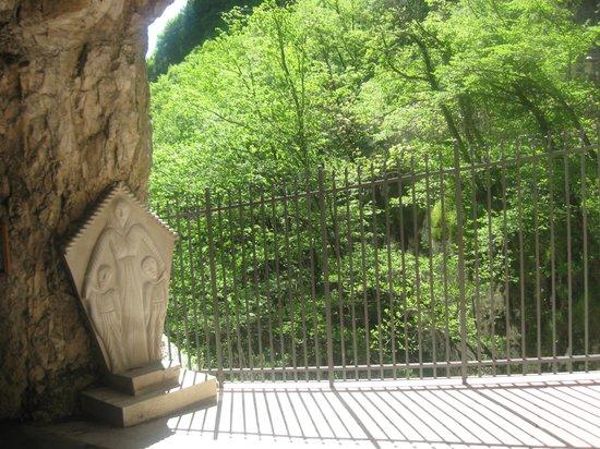 Santuario Basilica Madonna della Corona: In mezzo al verde una location da sogno!