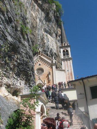 Santuario Basilica Madonna della Corona: Amazing che meraviglia !