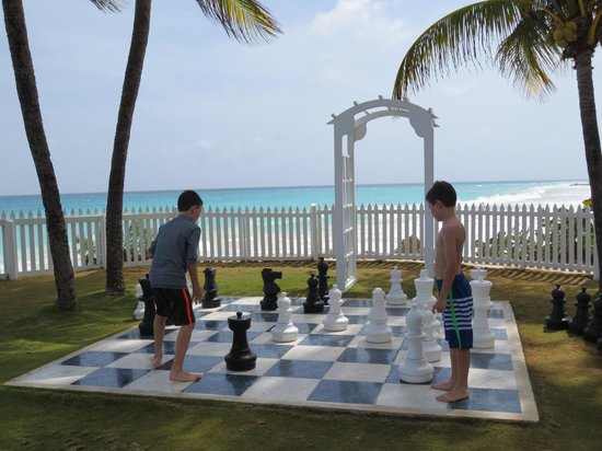 Bougainvillea Barbados: My boys enjoyed the giant chess game