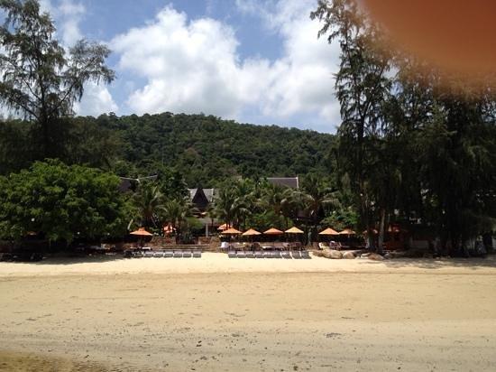 Amari Vogue Krabi: overall look from the beachside