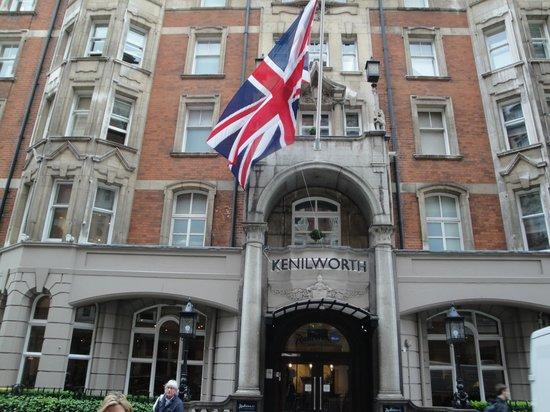 Radisson Blu Edwardian Kenilworth Hotel : La facciata esterna
