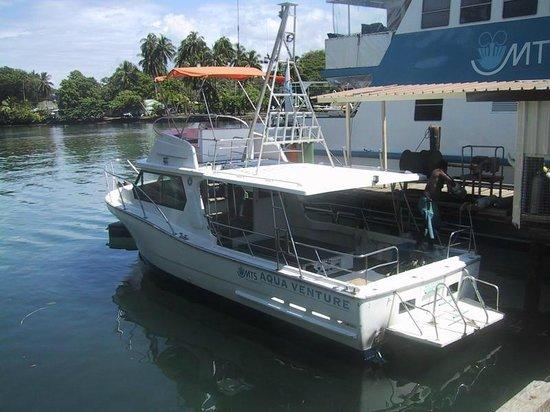 Madang Resort Hotel: 敷地に直結してダイビングボートが出ますのでダイビングには便利です