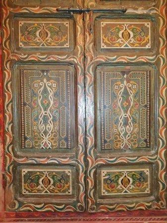 Riad Dar Nael : Armoire traditionnelle