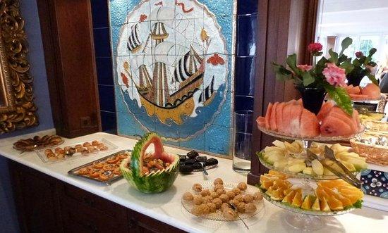 Hotel Comca Manzara: Buffets