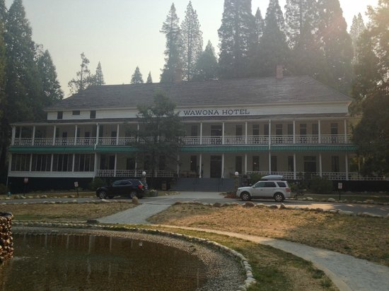 Wawona Hotel, National Historic Landmark : Outside of Hotel