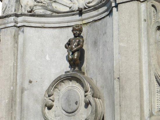 Manneken Pis : オリジナルの小便小僧くん